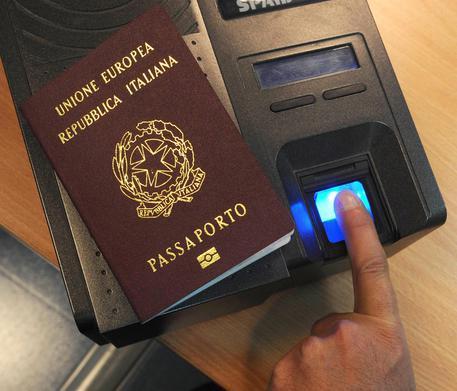 passaporto-elettronico-documenti-presentare-online